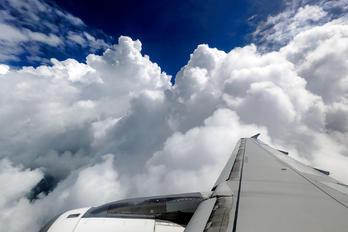 9V-SLQ - SilkAir Airbus A320