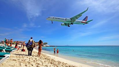 N205UW - American Airlines Boeing 757-200