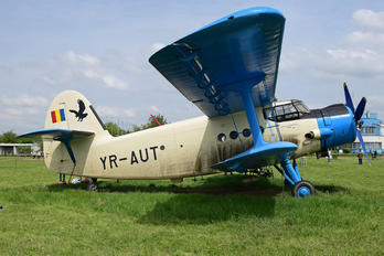 YR-AUT - Private PZL An-2