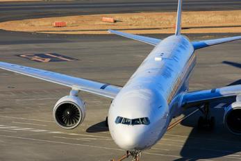 JA751J - JAL - Japan Airlines Boeing 777-300