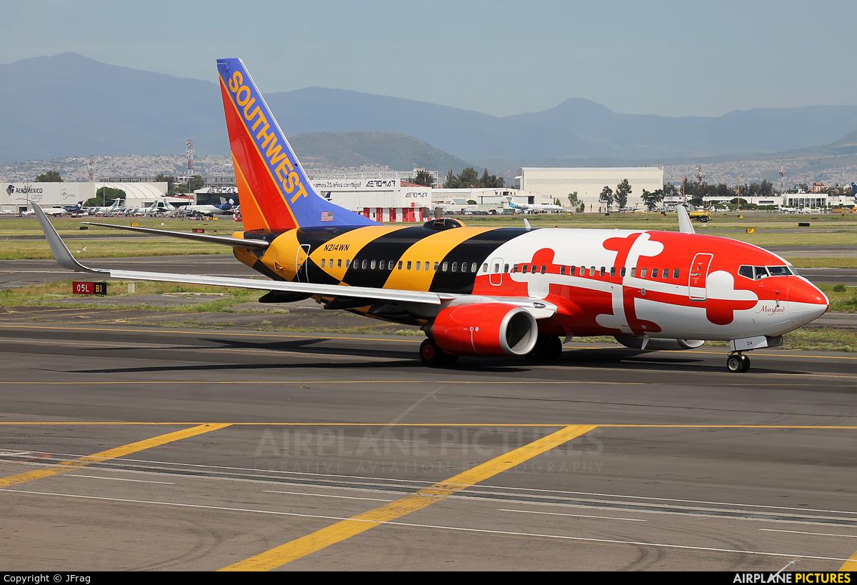Southwest Airlines N214WN aircraft at Mexico City - Licenciado Benito Juarez Intl