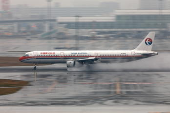 B-6886 - China Eastern Airlines Airbus A321