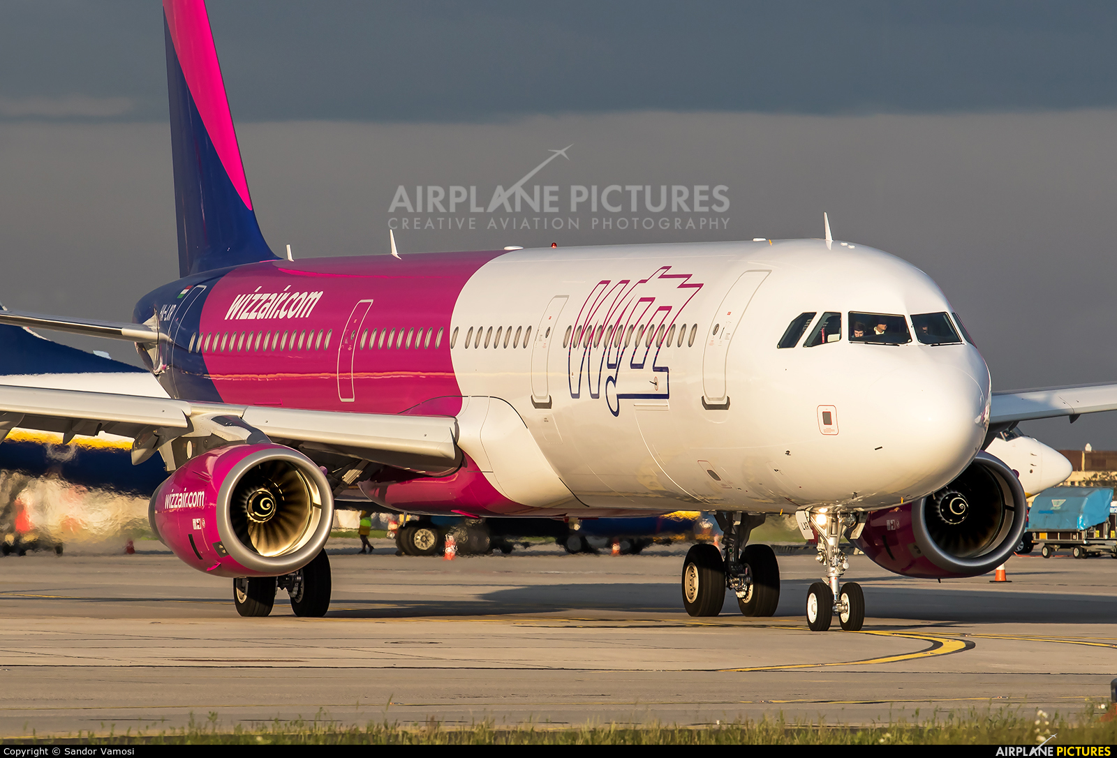 Wizz Air HA-LXR aircraft at Budapest Ferenc Liszt International Airport