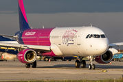 New Airbus A321 for WizzAir title=