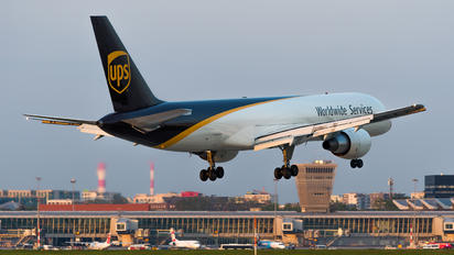 N428UP - UPS - United Parcel Service Boeing 757-200F