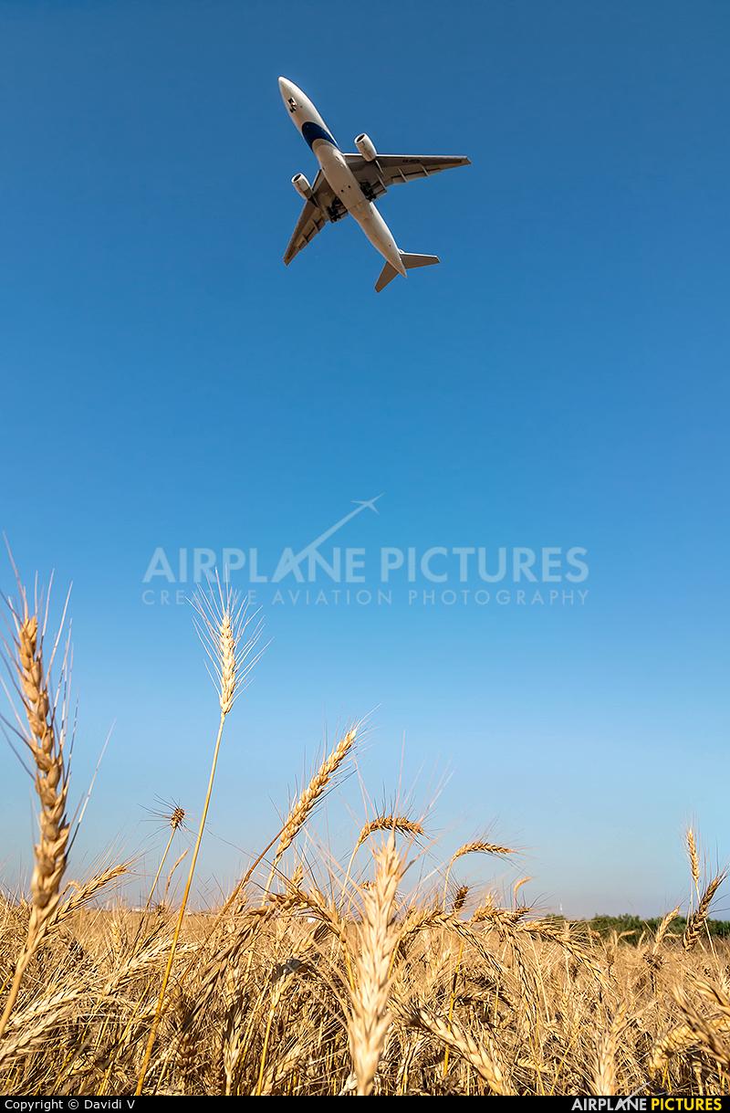 El Al Israel Airlines 4X-ECD aircraft at Tel Aviv - Ben Gurion