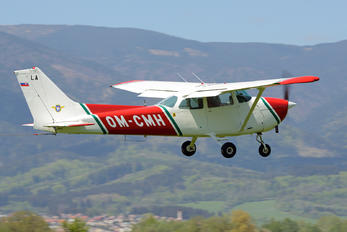 OM-CMH - Private Cessna 172 Skyhawk (all models except RG)