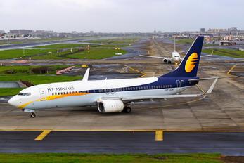 VT-JGW - Jet Airways Boeing 737-800