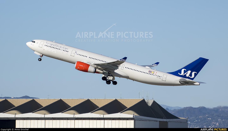 SAS - Scandinavian Airlines LN-RKS aircraft at Los Angeles Intl