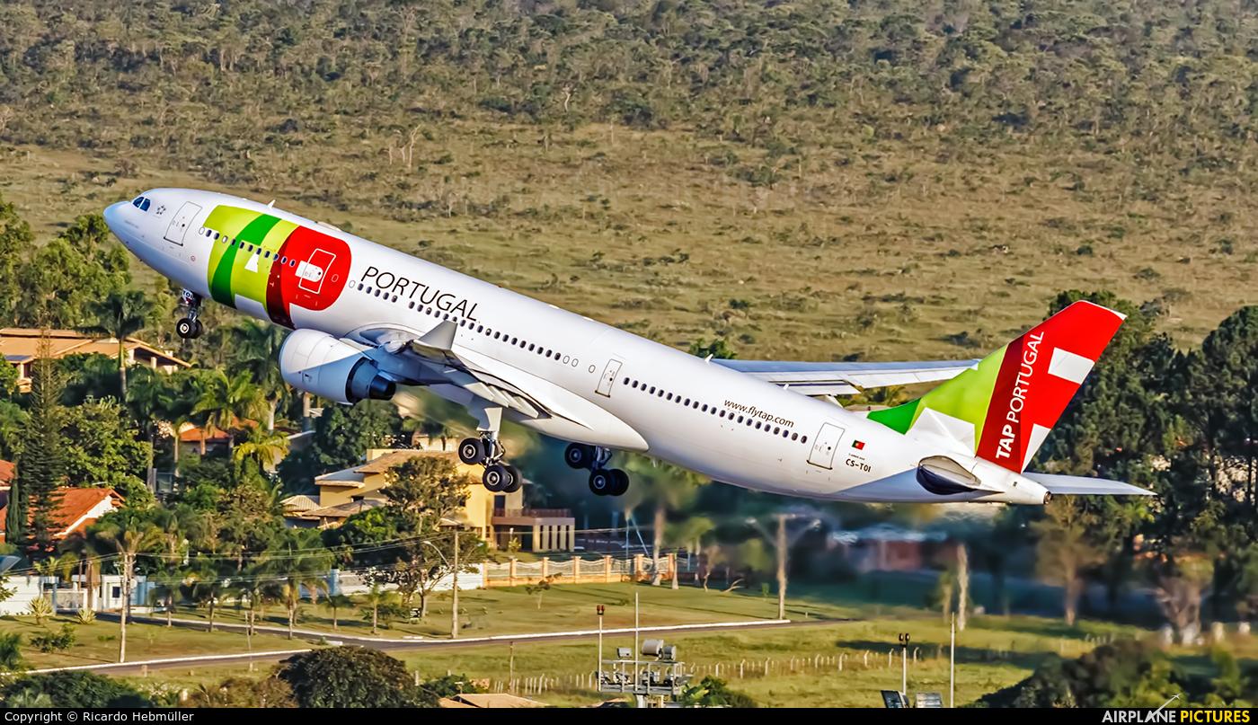 TAP Portugal CS-TOI aircraft at Brasília - Presidente Juscelino Kubitschek Intl