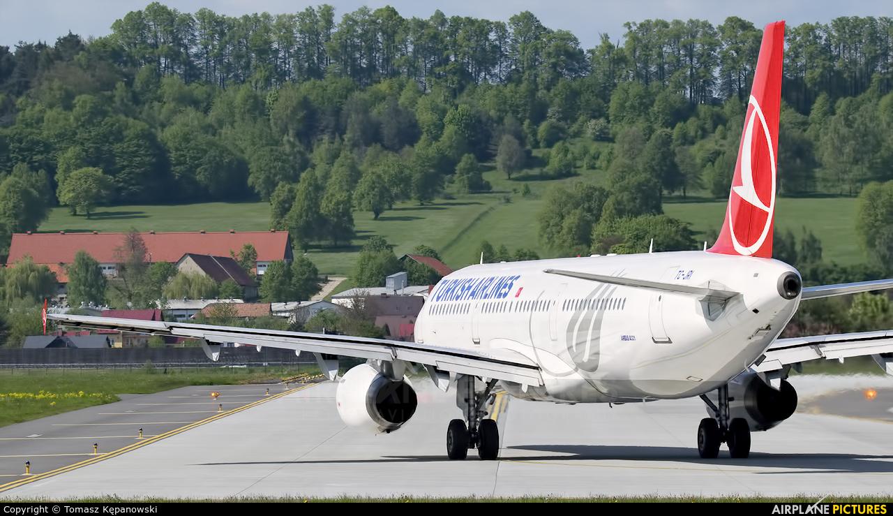 Turkish Airlines TC-JRI aircraft at Kraków - John Paul II Intl