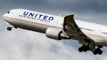 N67052 - United Airlines Boeing 767-400ER aircraft