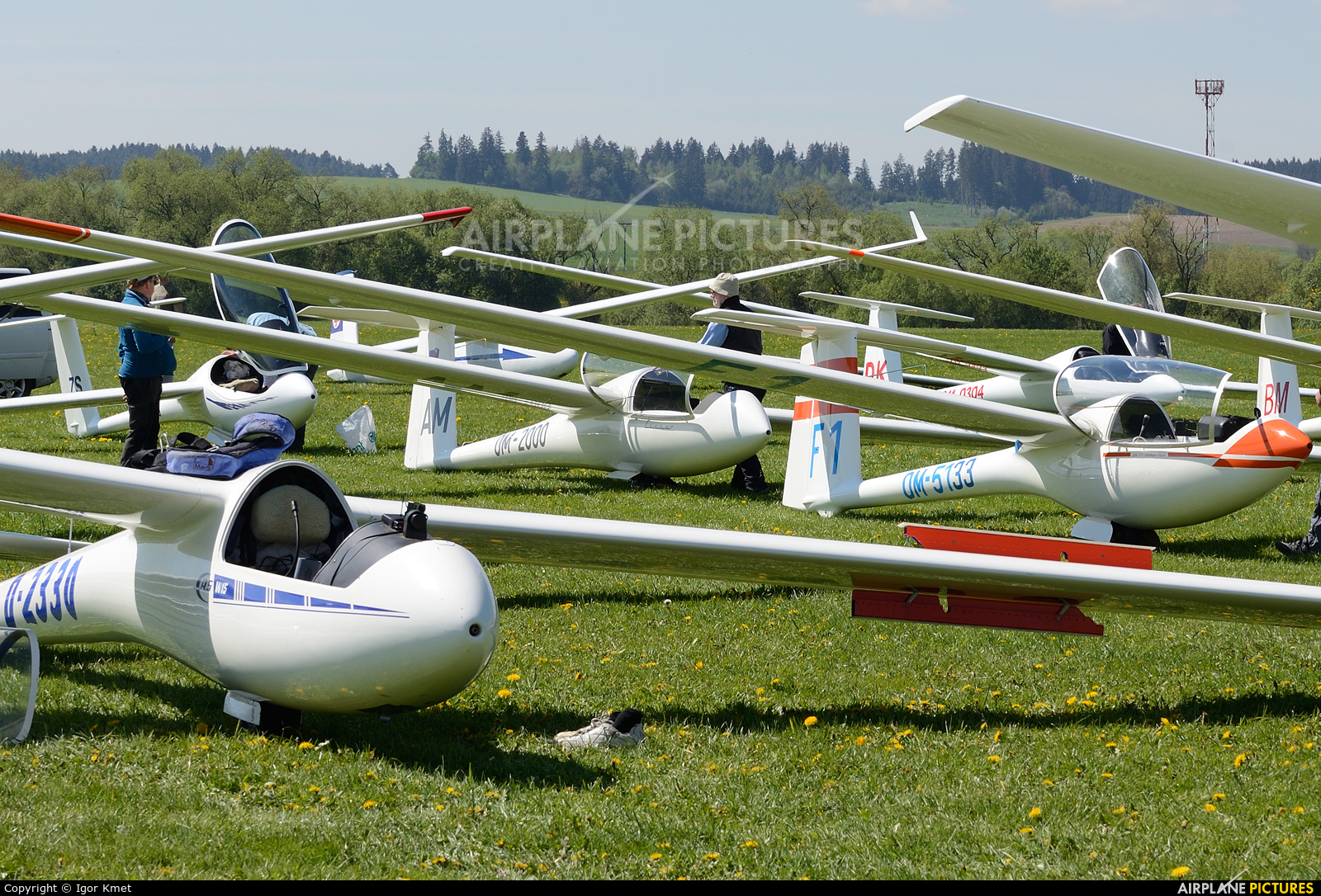 - Airport Overview - aircraft at Martin-Tomčany