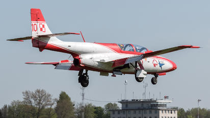 3H-2013 - Poland - Air Force: White & Red Iskras PZL TS-11 Iskra