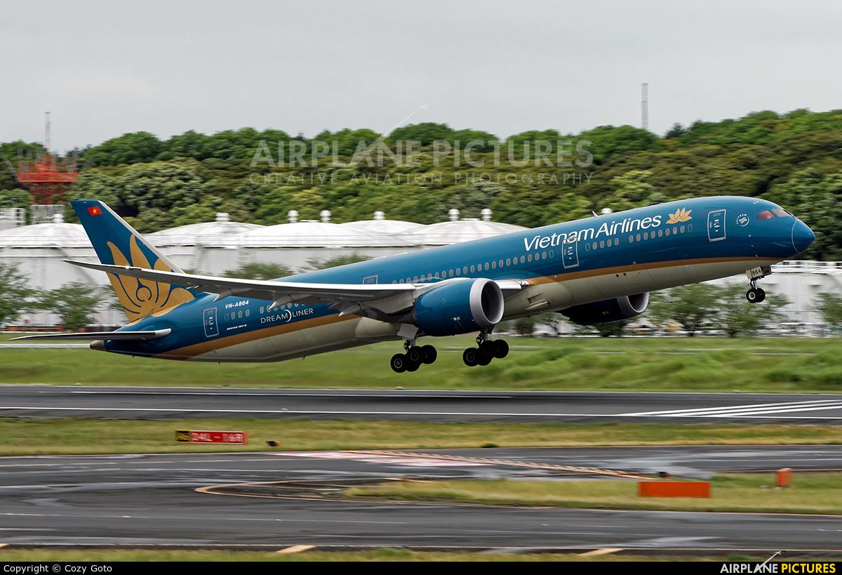 Vietnam Airlines VN-A864 aircraft at Tokyo - Narita Intl