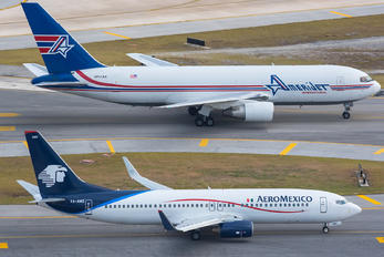 XA-AMZ - Aeromexico Boeing 737-800