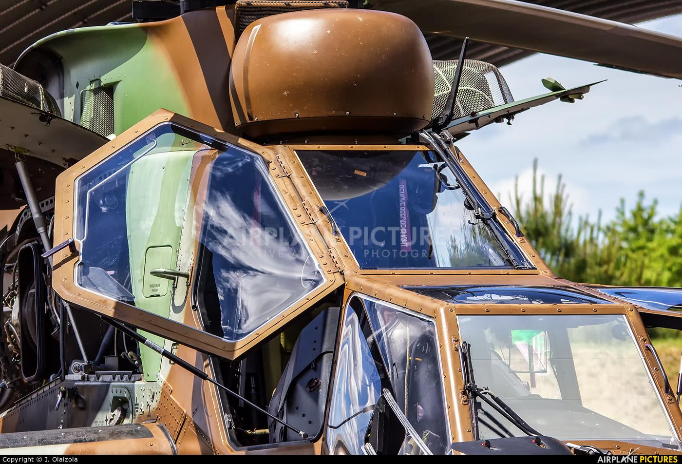 France - Army BHA aircraft at Bordeaux - Merignac