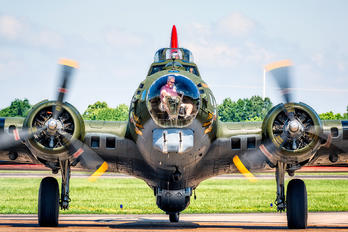 N7227C - American Airpower Heritage Museum (CAF) Boeing B-17G Flying Fortress