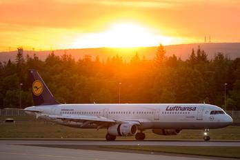 D-AIDK - Lufthansa Airbus A321