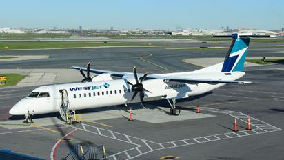 C-GKWE - WestJet Encore de Havilland Canada DHC-8-400Q / Bombardier Q400