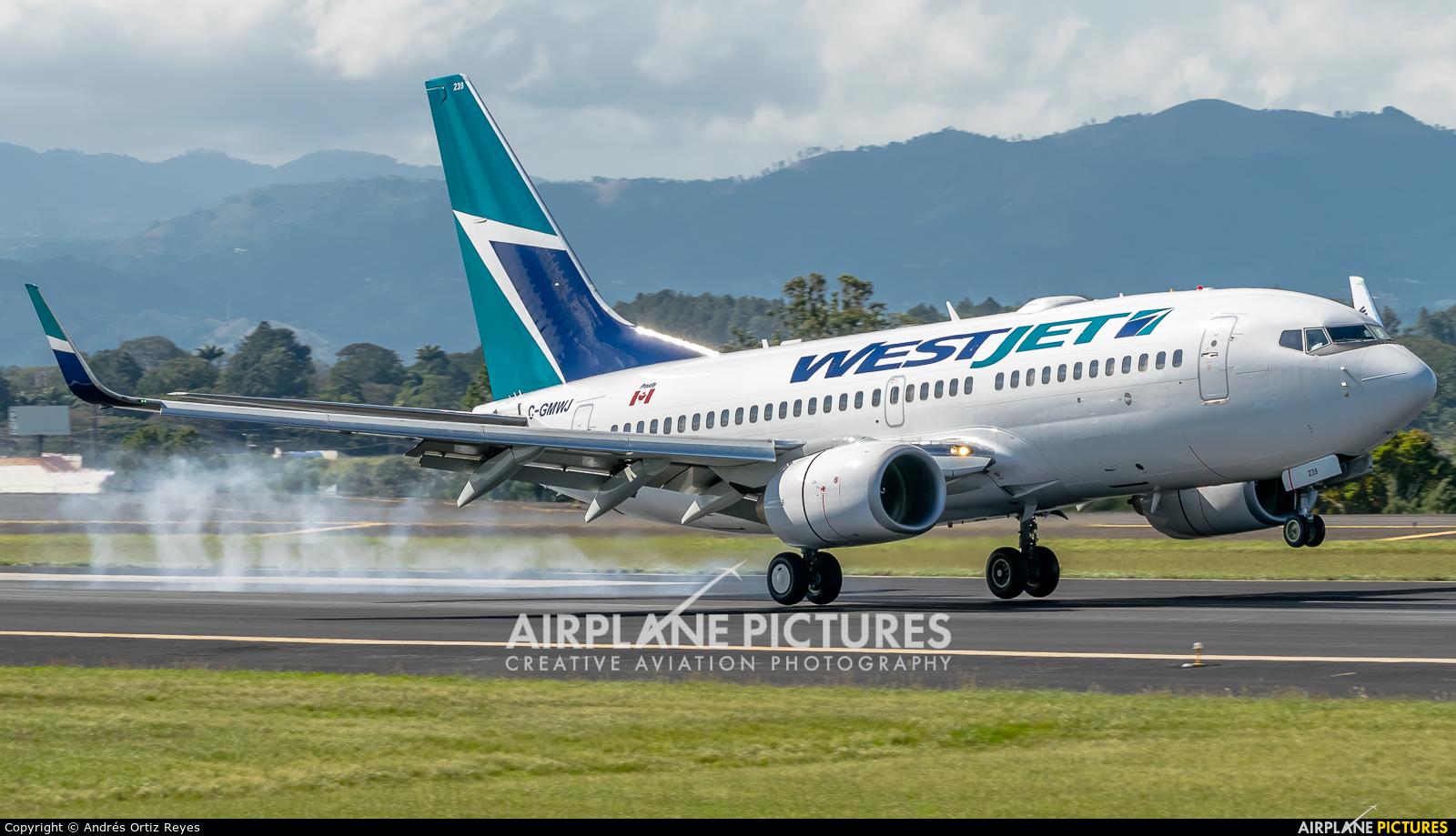 WestJet Airlines C-GMWJ aircraft at San Jose - Juan Santamaría Intl