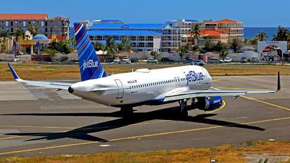 N806JB - JetBlue Airways Airbus A320