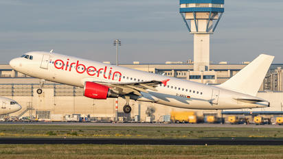 D-ABDX - Air Berlin Airbus A320