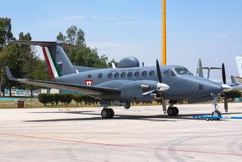 5211 - Mexico - Air Force Beechcraft 300 King Air 350
