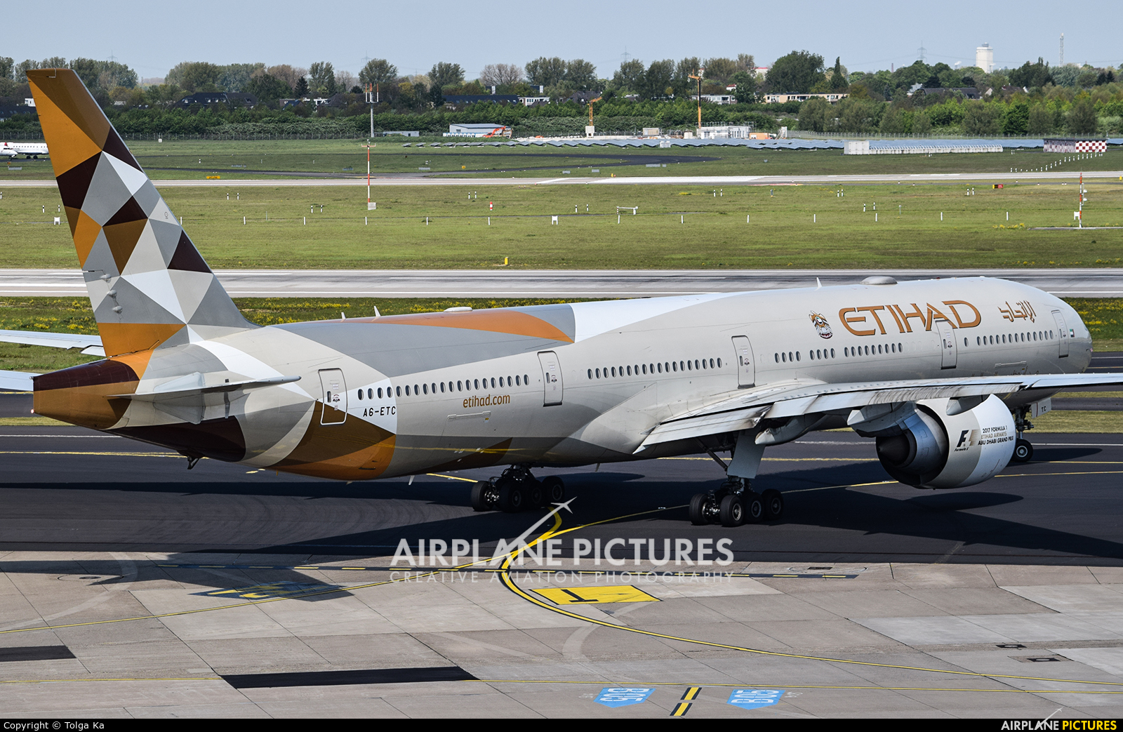 Etihad Airways A6-ETC aircraft at Düsseldorf