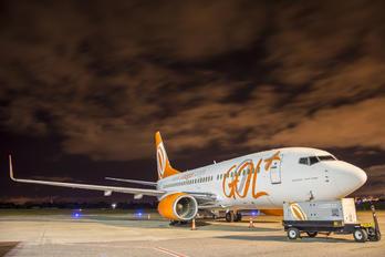 PR-VBZ - GOL Transportes Aéreos  Boeing 737-700