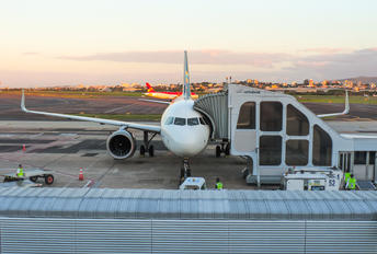 PR-YRB - Azul Linhas Aéreas Airbus A320 NEO