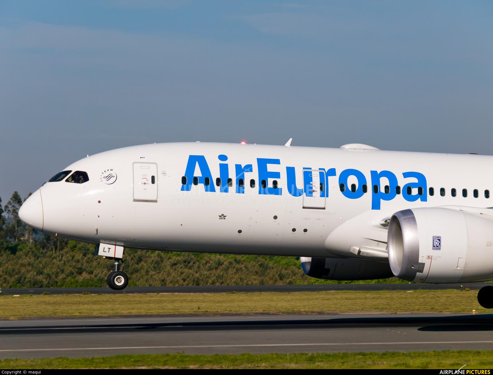 Air Europa EC-MLT aircraft at Santiago de Compostela