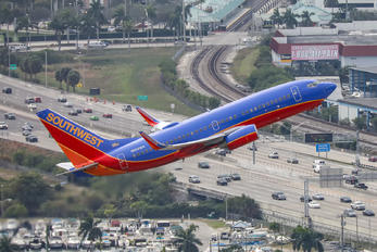 N958WN - Southwest Airlines Boeing 737-700