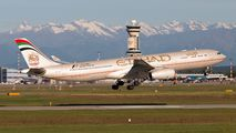 A6-AFC - Etihad Airways Airbus A330-300 aircraft