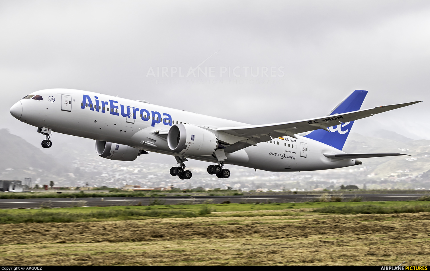 Air Europa EC-MOM aircraft at Tenerife Norte - Los Rodeos