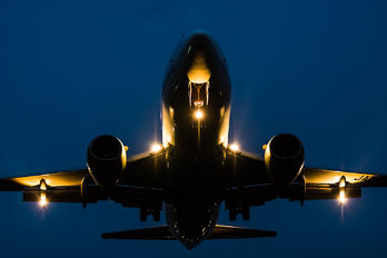 - - ANA Wings Boeing 737-500