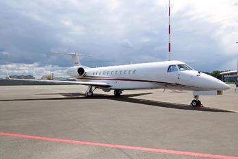N966JS - Private Embraer EMB-135BJ Legacy 600