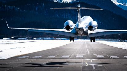 M-GLOB - Private Bombardier BD-700 Global Express