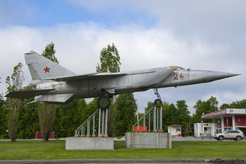 24 - Russia - Air Force Mikoyan-Gurevich MiG-25R (all models)