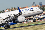 N17126 - United Airlines Boeing 757-200 aircraft