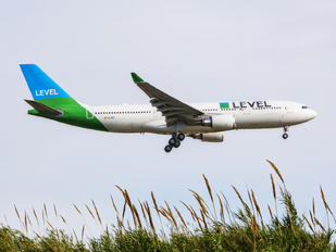 EC-MOY - LEVEL Airbus A330-200