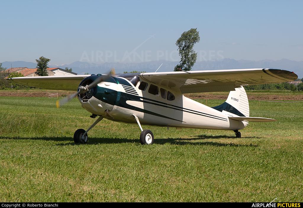 Private N1064D aircraft at San Martino di Gusnago