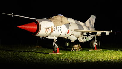 8915 - Slovakia -  Air Force Mikoyan-Gurevich MiG-21MF