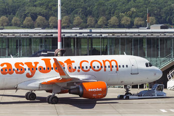 HB-JXE - easyJet Switzerland Airbus A320