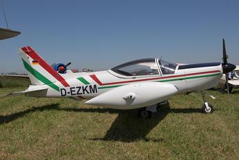 D-EZKM - Private SIAI-Marchetti SF-260