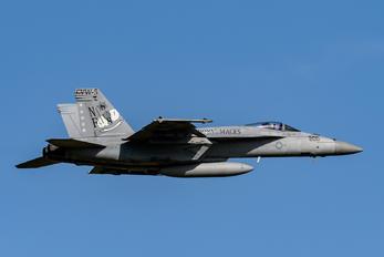 168363 - USA - Navy Boeing F/A-18E Super Hornet