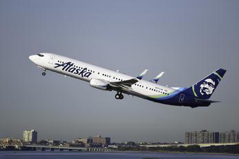 N272AK - Alaska Airlines Boeing 737-900ER