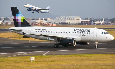 XA-VOL - Volaris Airbus A319