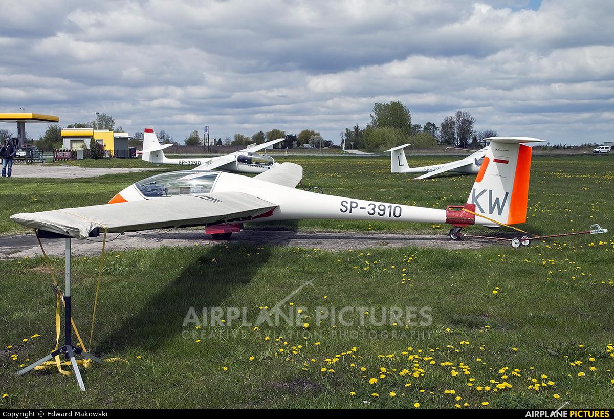 Aeroklub Kujawski SP-3910 aircraft at Inowrocław