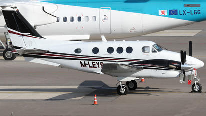 M-LEYS - Private Beechcraft 90 King Air